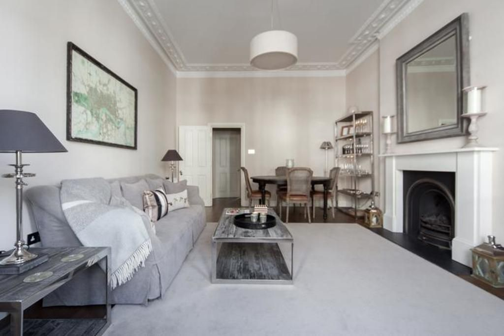 London Home 703, Imagine Renting Your Own 5 Star Private Holiday Home in London, England - Studio Villa, Sleeps 4