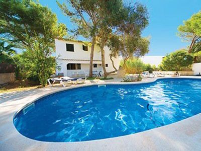 Photo for Lovely holiday villa. Pool and beach