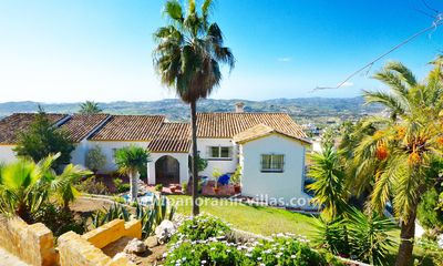 Photo for 4 bedroom Villa, sleeps 11 in Mijas with Pool, Air Con and WiFi
