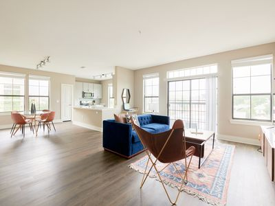 Photo for Sonder | East Eleventh | Desirable 2BR + Pool