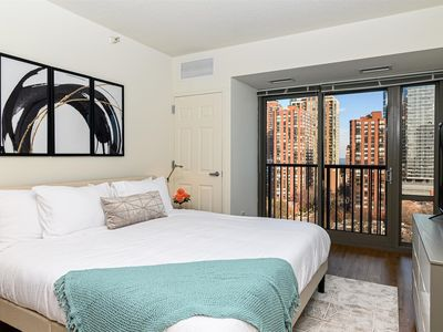 Photo for Kasa | Chicago | Awesome Studio South Loop Apartment