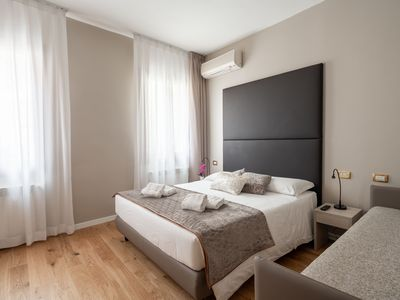 Photo for Triple Room - Rent for rooms for 3 people in Venice