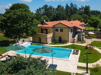 Photo for Charming stone villa with pool in Central Istria