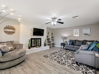Photo for FREE GOLF & MORE! Dog Friendly, Private Pool, Close to ASU, Cubs Spring Training & Tempe Marketplace