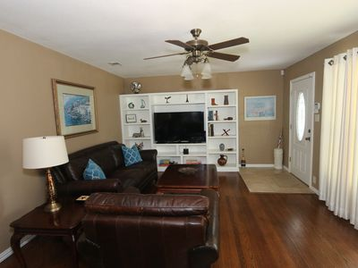 Photo for Great Location! Minutes from Downtown Arlington! 3 miles to Cowboys Stadium,