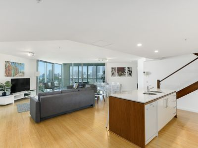 Photo for Surfers Paradise Wings Penthouse Dream