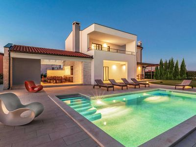 Photo for 4 bedroom Villa, sleeps 7 with Pool, Air Con and FREE WiFi