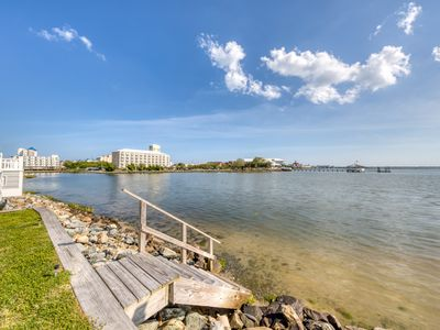 Photo for Bayfront townhome w/beautiful views, furnished deck, and free WiFi!