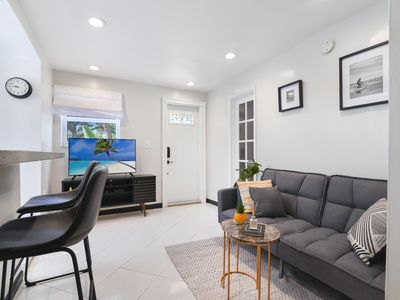 Photo for 1 Bedroom Resort in the center of Hollywood FL