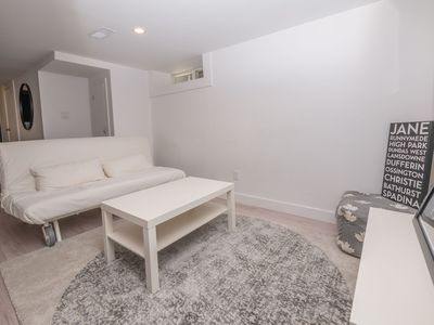 Photo for Cosy 1 Bedroom Suite in Leslieville