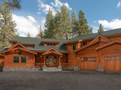 Photo for Large 5BD Family Vacation Retreat On 5 Private Acres Near Lakes And Skiing
