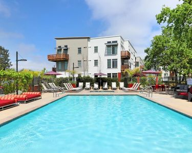 Photo for Wow! Fun For Couple or Group In Beautiful Wine Country-The Heart Of Santa Rosa!