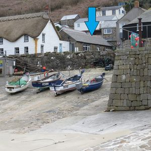 Here is Cobweb Cottage, right by the seafront and harbour Sennen Cove