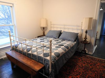 Sunrise Suite faces East and has a cozy sitting room and an en-suite with a slipper tub and separate shower.