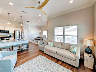 Photo for Newly Remodeled Beach Cottage in Rockport's Coral Reef Community w/ Pool