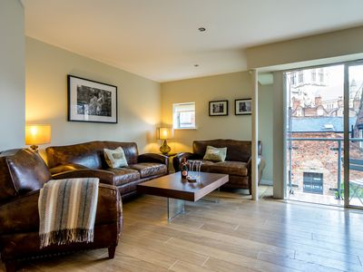 Photo for Amazing 2 bedroom apartment in City centre.