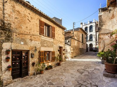 Photo for Apartment with courtyard – Apartment Macarena bajos