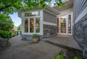 Photo for 3BR House Vacation Rental in Lake Oswego, Oregon