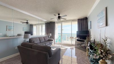 Take In The Scenery From Your 20th Floor Condo With Stellar Gulf views!