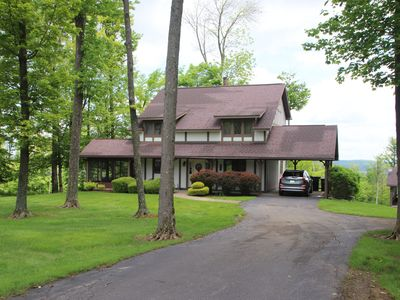 Photo for Winterberry Lodge: Golf, Relax, Screened in Patio, the best of Summer @ the Peak