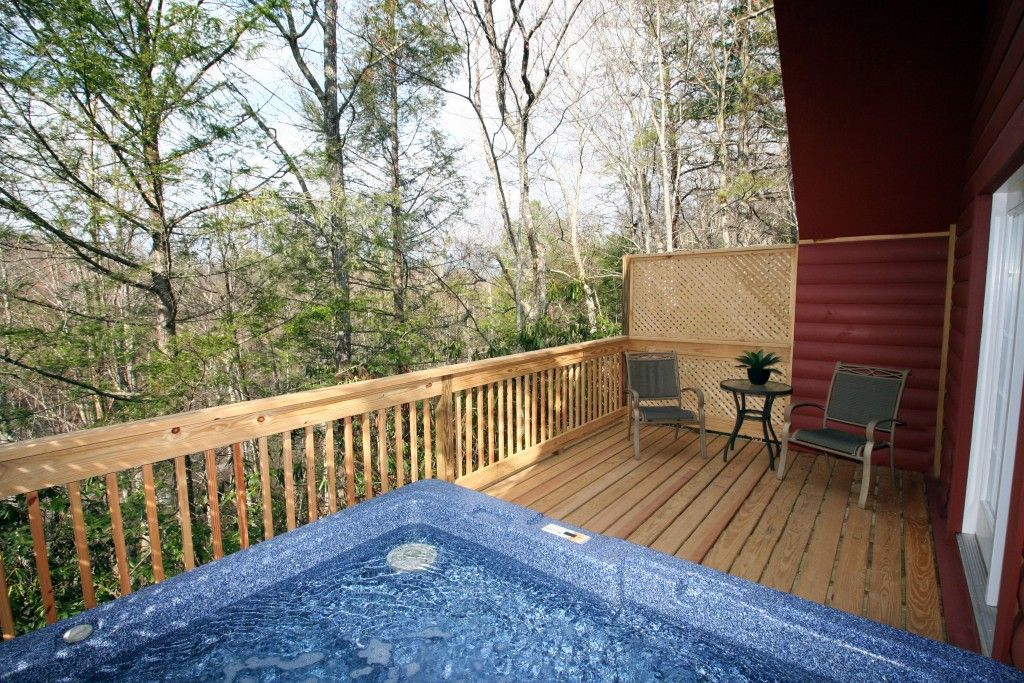 Free attraction tickets secluded romantic cabin heart for Gatlinburg cabins for couples