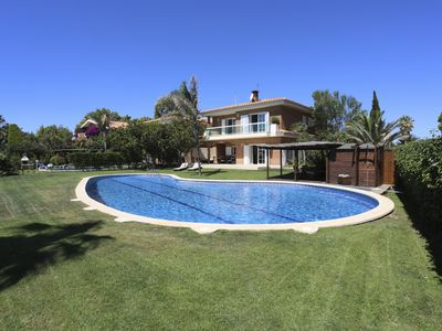 Photo for Magnificent home on seafront