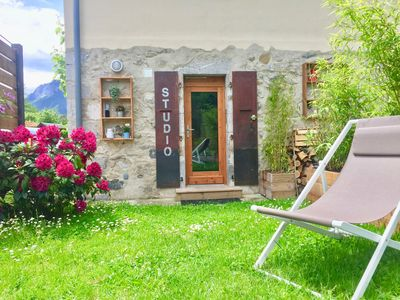 Photo for Cozy cocoon on the edge of Lake Annecy