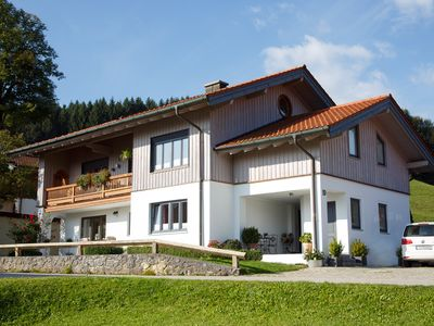 Photo for 4 * Apartment in the middle of the Bavarian Alps / Chiemgau map