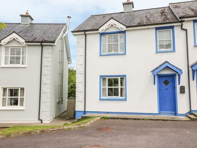 Photo for 18 DALEWOOD, pet friendly in Glengarriff, County Cork, Ref 988282
