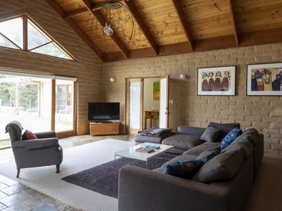 Photo for 3BR House Vacation Rental in Taradale, VIC