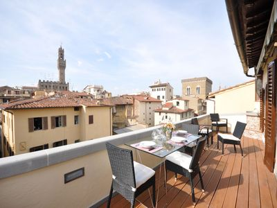 Photo for Lovely flat with an amazing terrace located in the heart of Florence