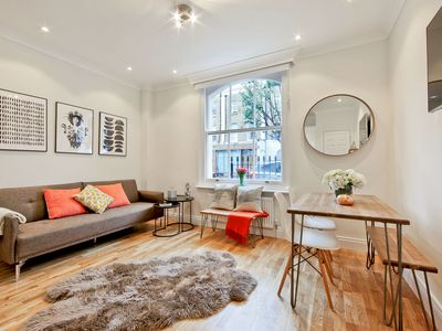 Photo for Newly refurbished stylish 2 bed in Angel/Islington