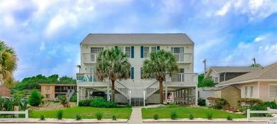 Cottage on Ocean Blvd A, Spacious 5 BR Luxury Beach Home located across the street from the beach with ocean view