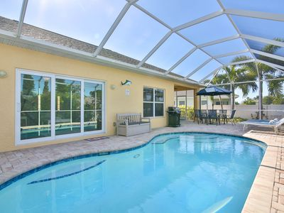 Photo for Villa Sandpiper! Only 3 Miles to Anna Maria Island! Private Pool, Highspeed W