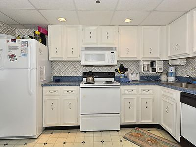 Photo for LINENS INCLUDED*! FREE DAILY ACTIVITIES!!! OCEAN & BAY VIEWS!!! 2 Bedroom/ 2 Bath condo. Beautiful unit, updated throughout.
