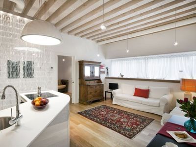 Photo for Priuli: modern and comfortable apartment in the Santa Lucia district.