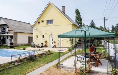 Photo for 4 bedroom accommodation in Balatonmáriafürdö