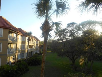 Photo for Cozy Orlando 1BDR condo close to Sea World, Universal, Disney