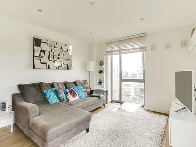 Photo for Stylish 1Bed w/Private Balcony Near Canary Wharf