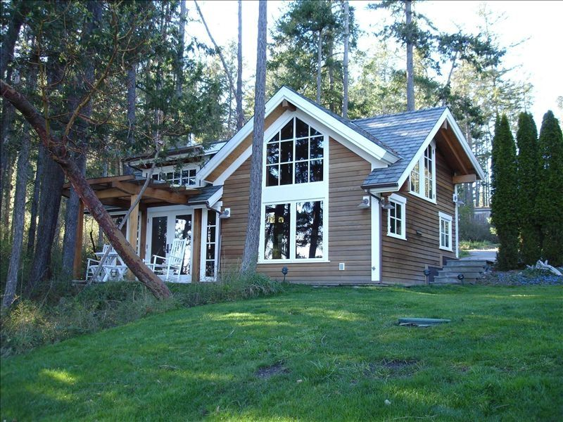 This cottage is right on the beach walking homeaway for Roche harbor resort cabins