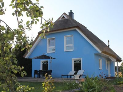 """Photo for Holiday home """"De niege Leive"""", modern ambience, under traditional thatched roof!"""