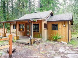Photo for 3BR Cabin Vacation Rental in Rhododendron, Oregon