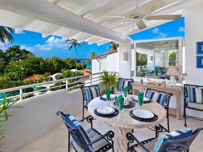 Photo for Penthouse Beachfront Relaxation - Glitter Bay 409
