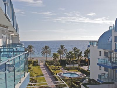 Photo for Apartment with large terrace in luxurious complex with pool and sea views.