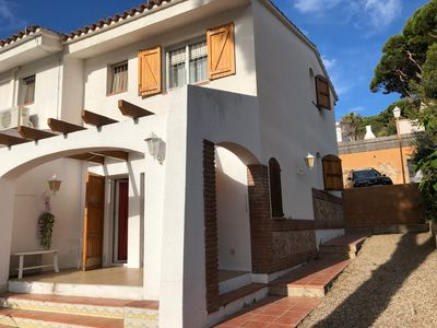Photo for Beautiful house with sea views, 5 min walk from Fenals beach
