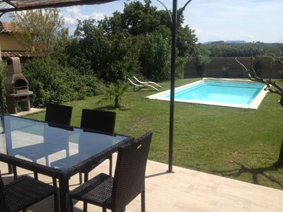 Photo for Charming house with private pool, not shared near Vaison la Romaine