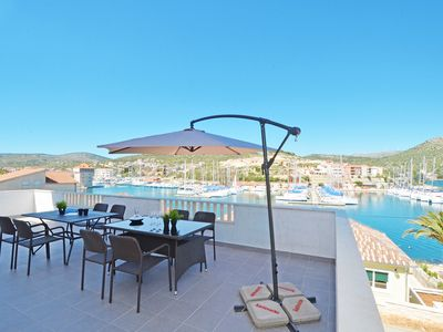 Photo for Beautiful and sunny 130m2 apartment with fantastic location and sea view