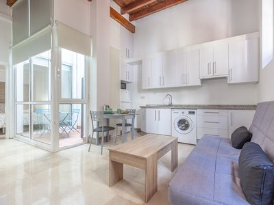 Photo for 1BR Apartment Vacation Rental in Sevilla, Andalucía