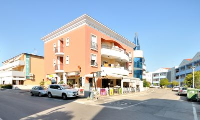 Photo for Residence Millennium, Bibione, two-roomed apartment sleeping 4, washing machine, climate