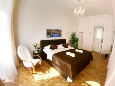 Double room with two shared bathrooms (sauna, whirlpool, shower) and kitchen